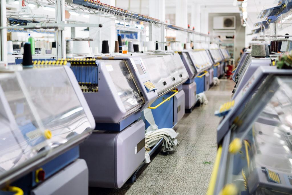 Machine à tricoter industrielle